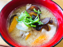 miso soup with wood ear