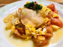 白キクラゲとトマトの卵炒め