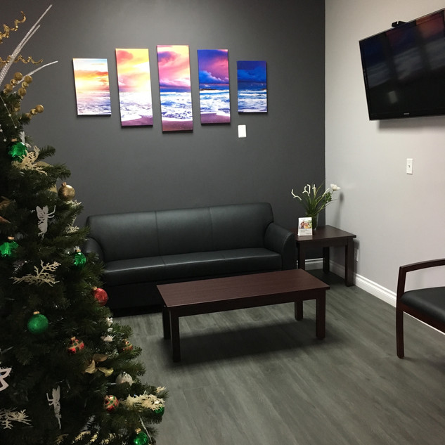 Kuwaye Dental waiting room