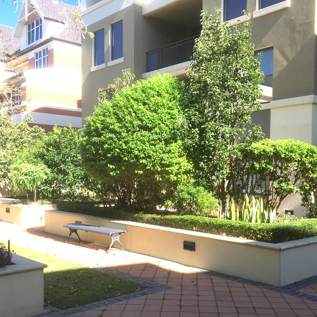 Conspar was engaged by the owners of these residential strata apartments in Subiaco to carry out structural restoration works of moisture-damaged garden beds.