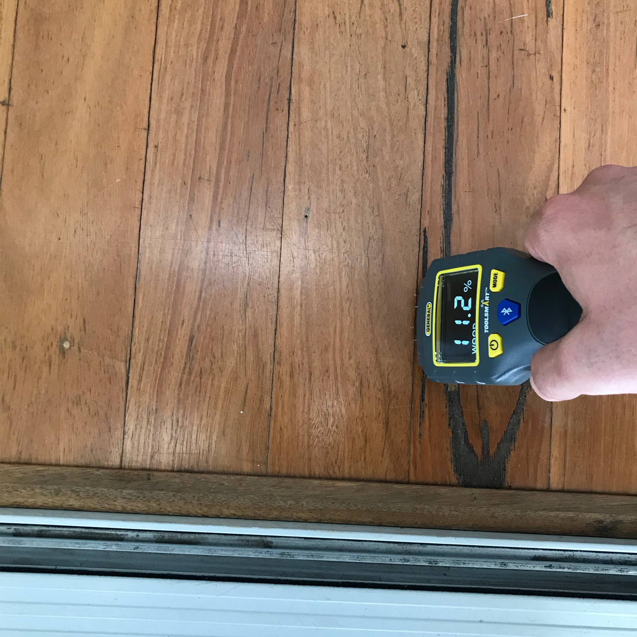 Conspar was engaged by the owner of this Perth apartment to carry out an inspection of the property regarding moisture problems present.