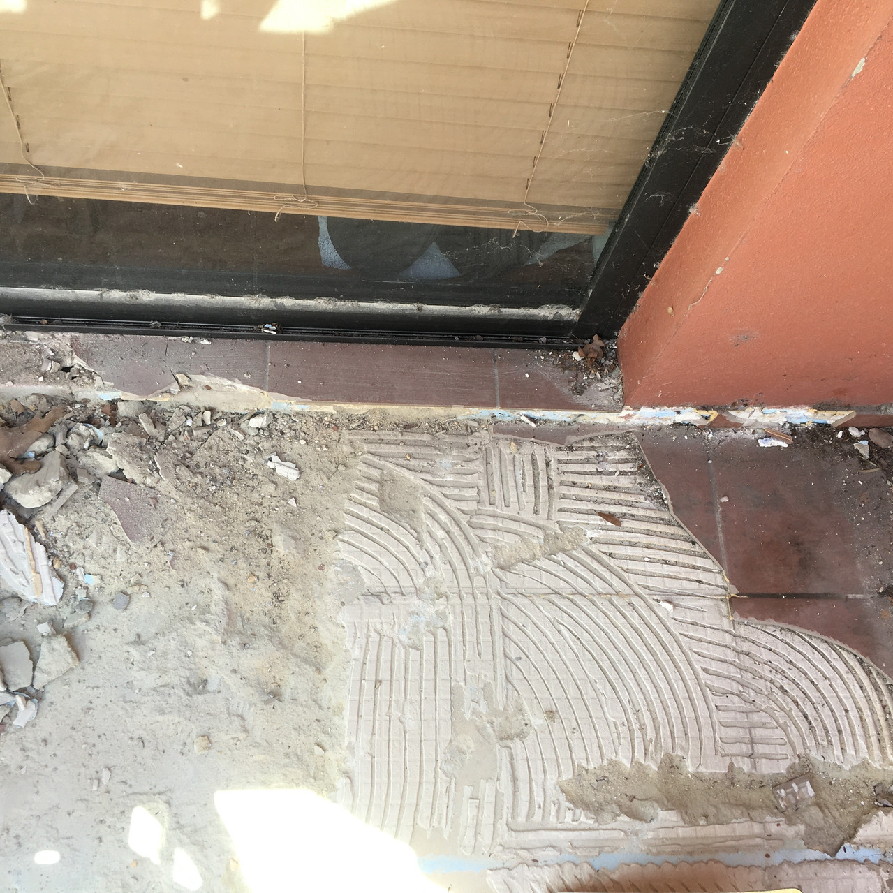 Conspar works to help rectify a water ingress problem being experienced at this Northbridge apartment involved removing tiles and screed of the private balcony due to a failed / inexistent waterproof membrane.