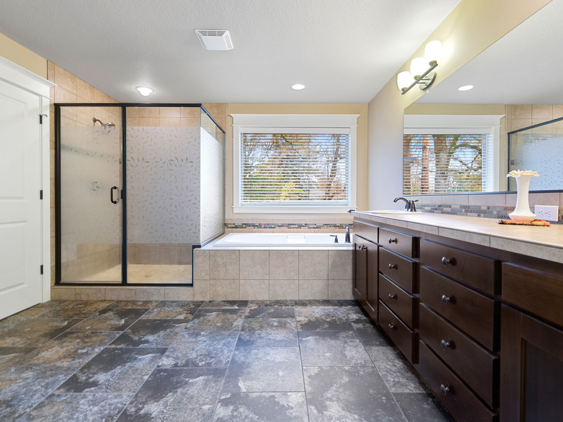 555 SW 140th Ave (18 of 38).jpg