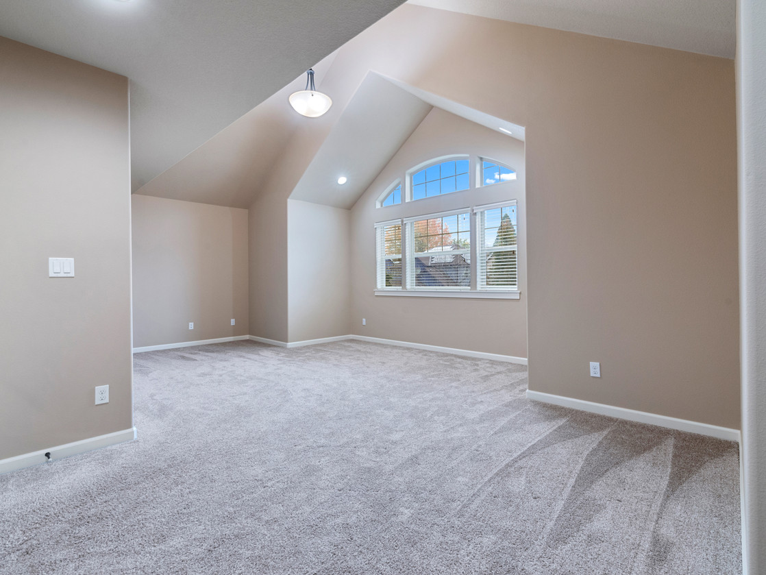 555 SW 140th Ave (20 of 38).jpg