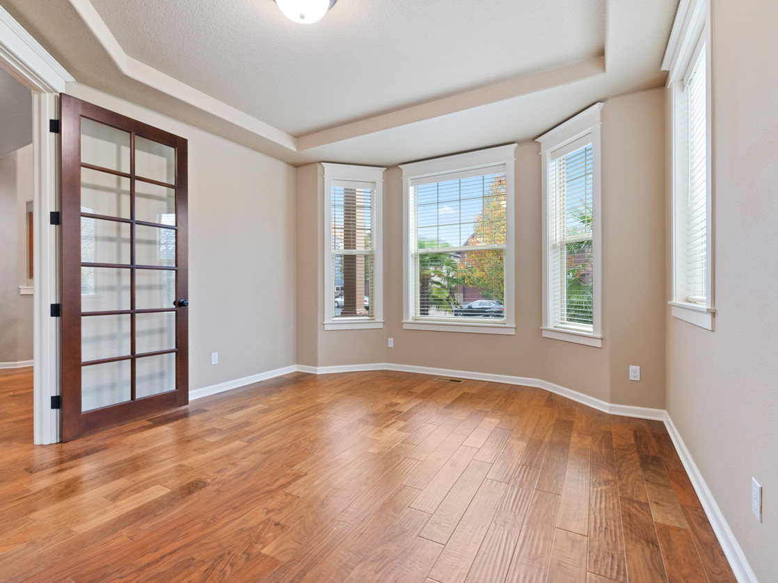 555 SW 140th Ave (37 of 38).jpg
