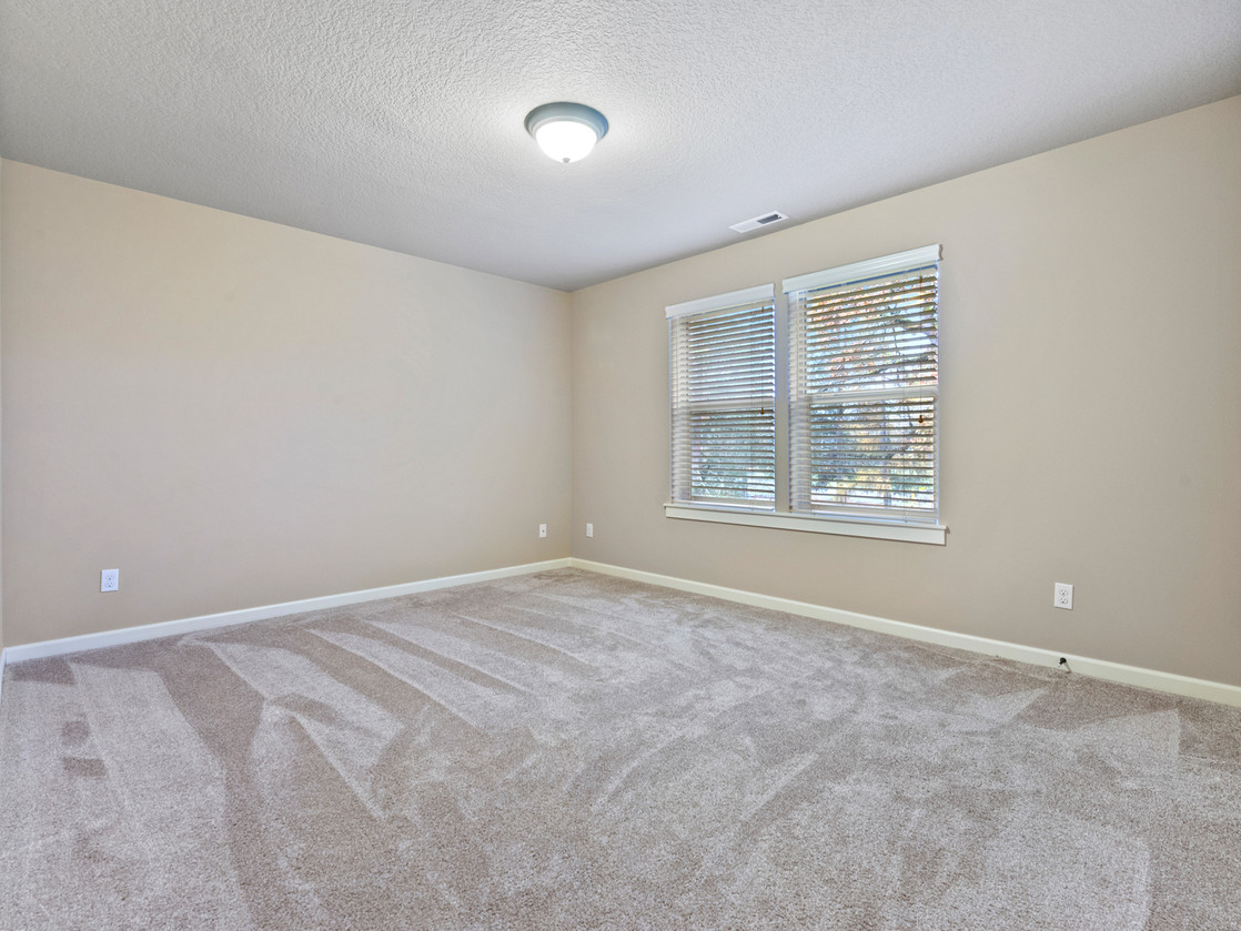 555 SW 140th Ave (23 of 38).jpg