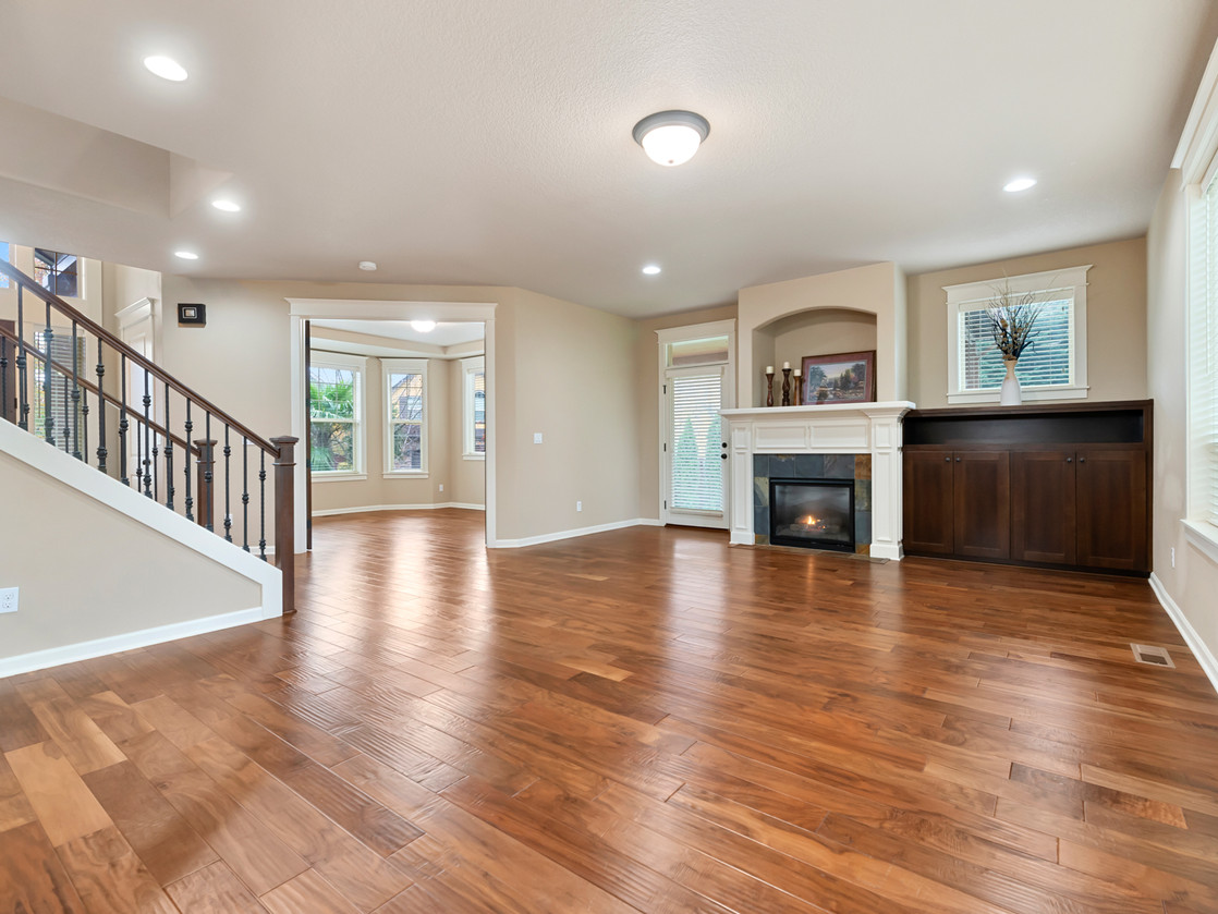 555 SW 140th Ave (32 of 38).jpg