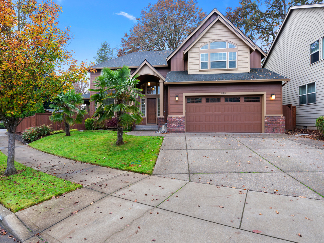 555 SW 140th Ave (4 of 38).jpg