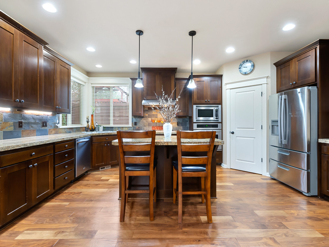 555 SW 140th Ave (35 of 38).jpg