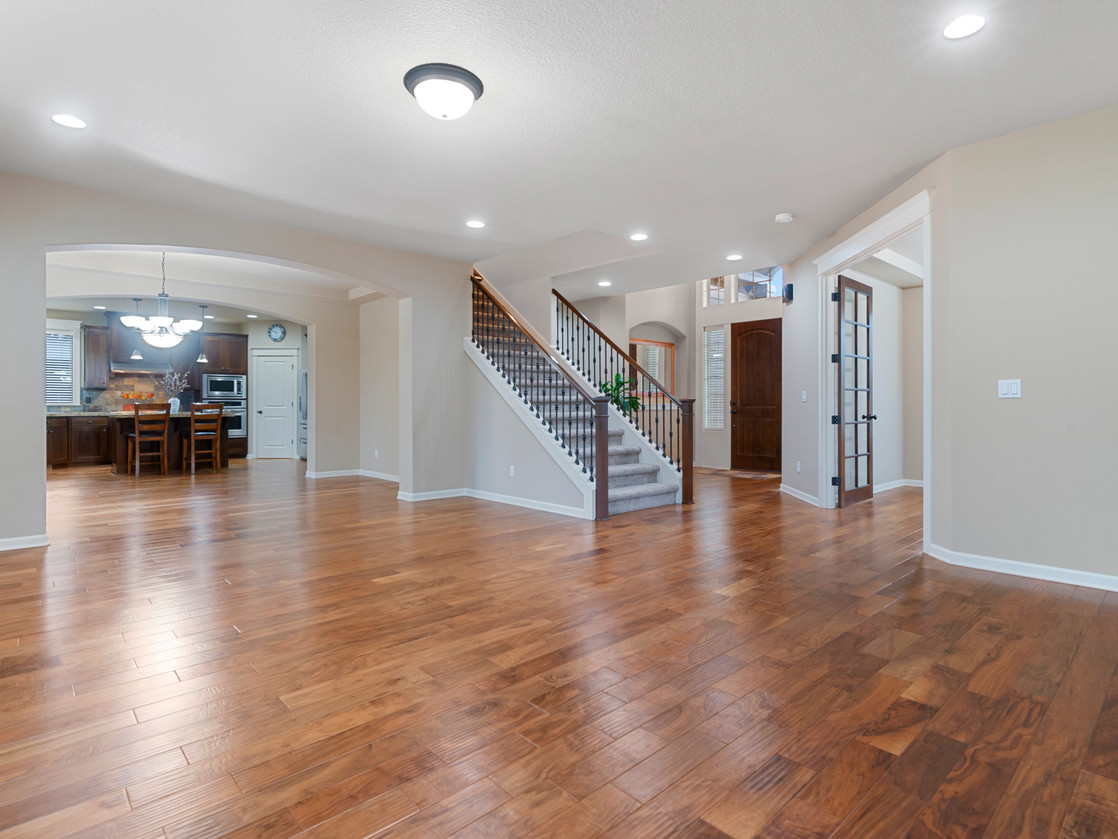 555 SW 140th Ave (15 of 38).jpg