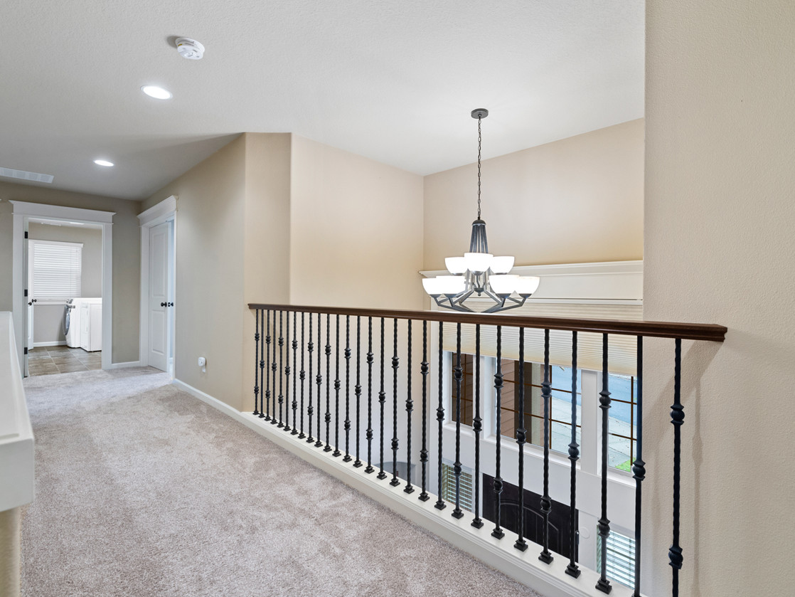 555 SW 140th Ave (10 of 38).jpg