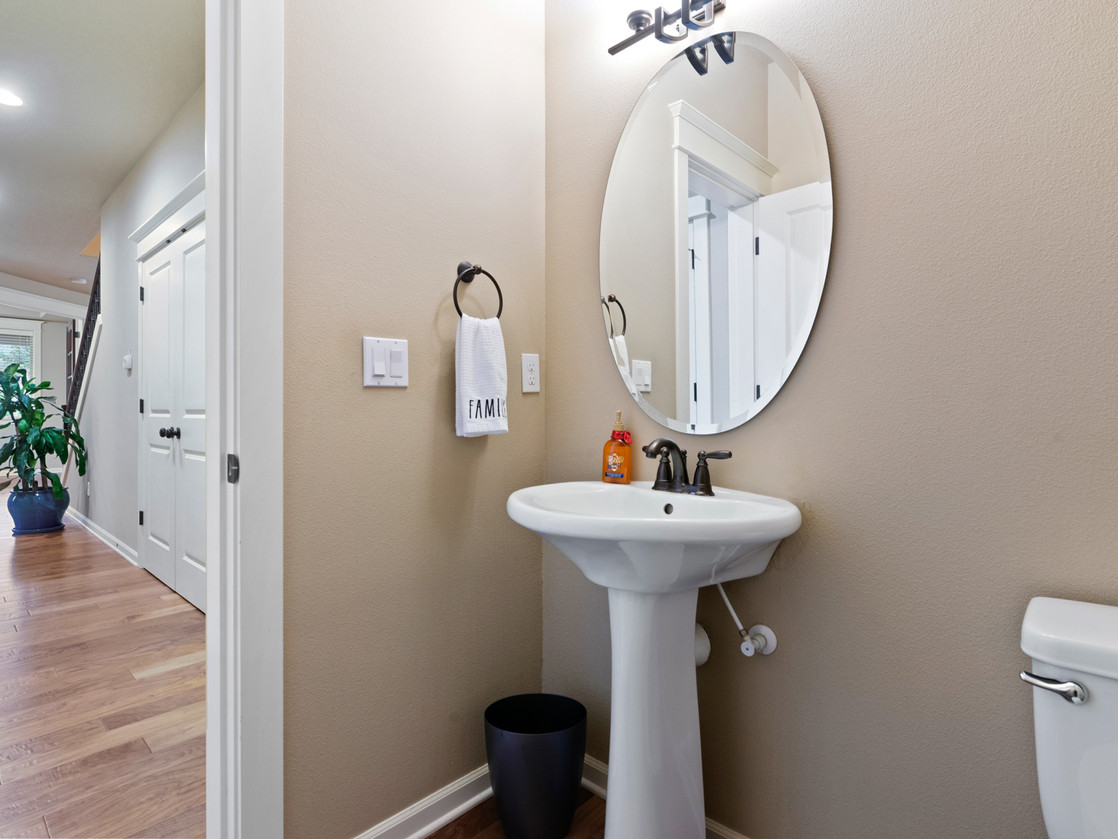 555 SW 140th Ave (14 of 38).jpg