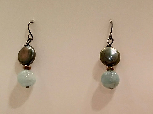 Pearl and aquamarine dangle earring