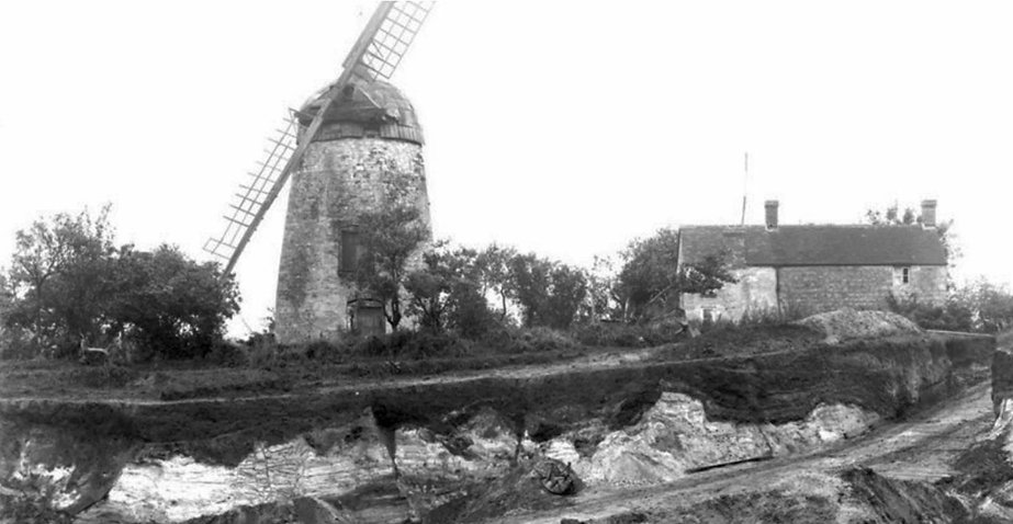 Wheatley Windmill (BGS Archive image : http://bit.ly/1w1WZkG