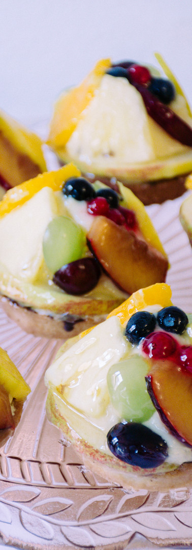Fruchtiges Obsttörtchen mit Sahnepudding