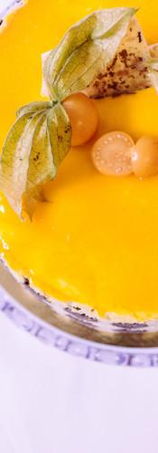 Mangosahne mit Mango-Maracuja-Fruchtspiegel