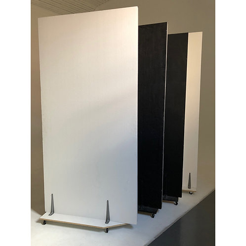 4 x Black/white poly boards