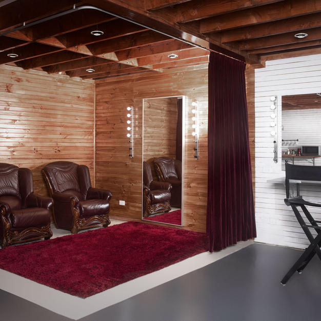 tempe_studios_change_room.jpg