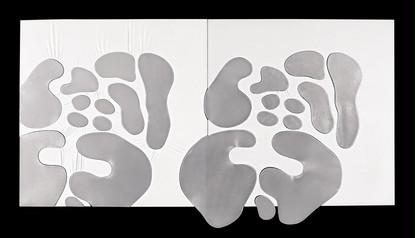 İsimsiz, 2006 Şasiye gerilmiş kumaş ve gümüş varak Diptik Her biri 123 x 123 cm