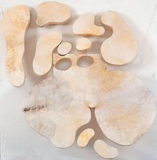 İsimsiz, 2005 Pleksi üzerine şasiye gerilmiş parşömen 123 x 123 cm