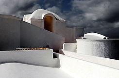 Toit blanc à la chaux en Grèce