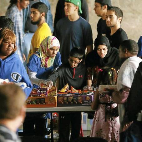 Muslim group partners with area organization to feed homeless during Ramadan   Tulsa World