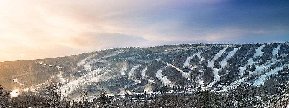 Ski_Snowsports_Pano_Camelback_Mountain_1