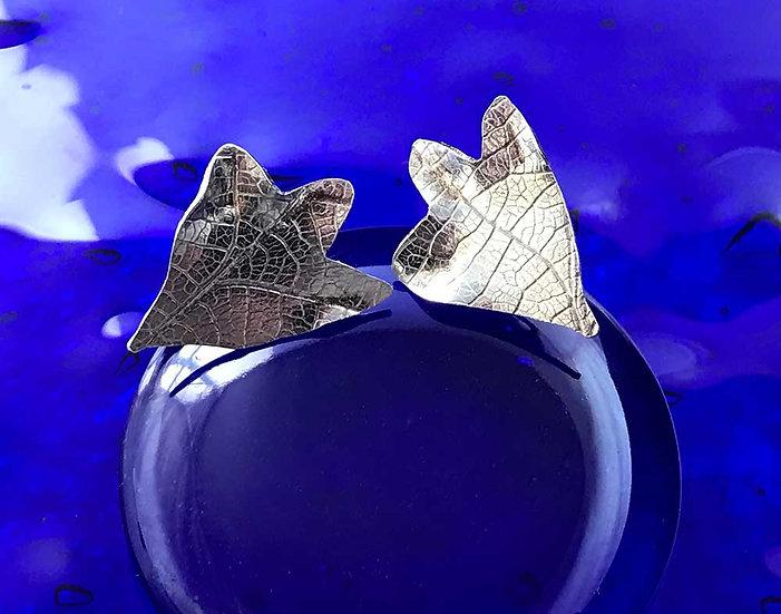 Hawthorn stud earrings