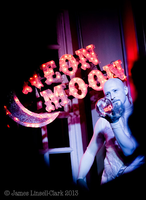Chris Brown - Neon Moon - Anstey Hall