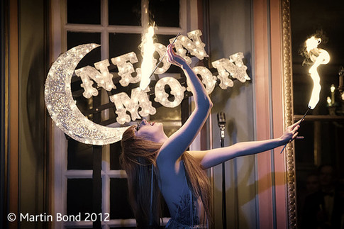 Billie Rae - Neon Moon - Anstey Hall