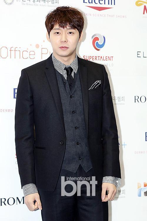 第3屆韓國電影演員協會「明星之夜」| 人氣明星獎