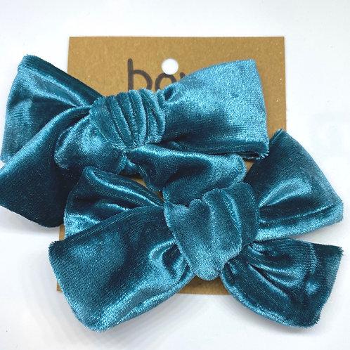 teal velvet bow
