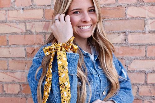 daisy tied scrunchie