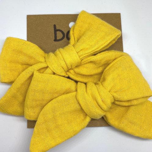 yellow mesh bow