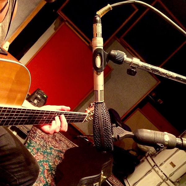 Coles 4038 Neumann km56 acoustic Guitar mics