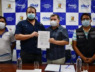 Alcalde César Encalada junto con el MAG firman compromiso para gestión interinstitucional.
