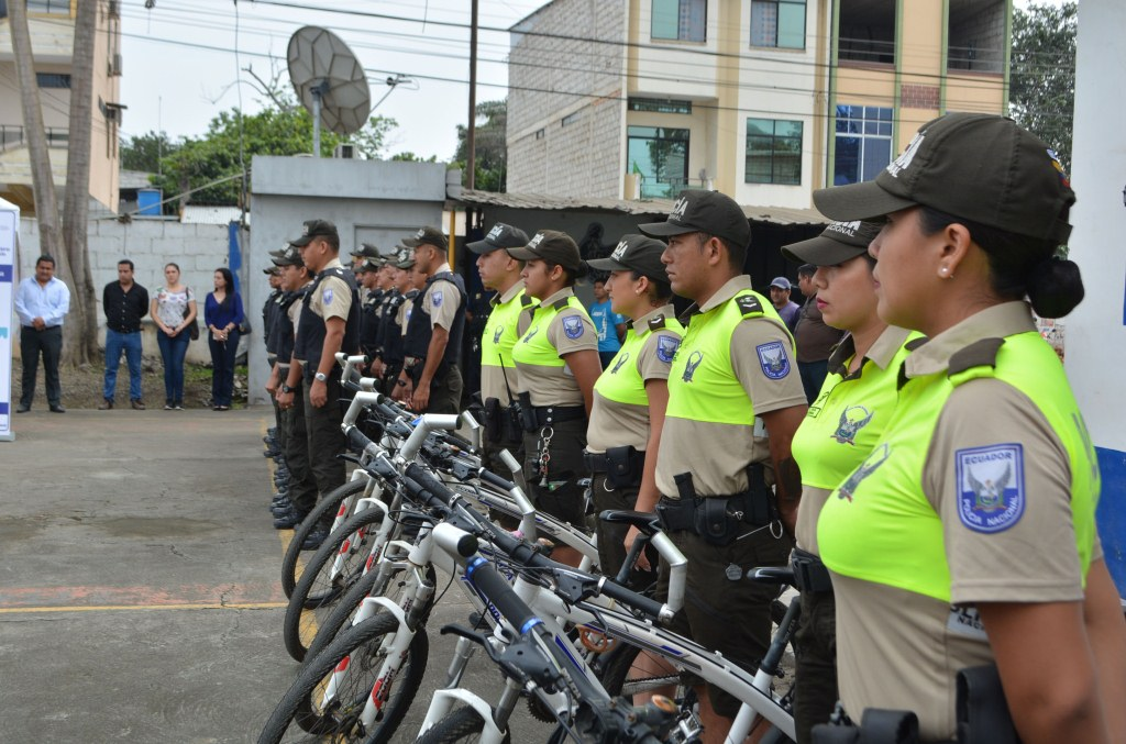 001 PERSONAL DE LA POLICIA QUE UTILIZARA