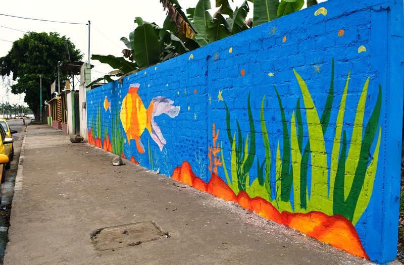 Paredes con arte urbano