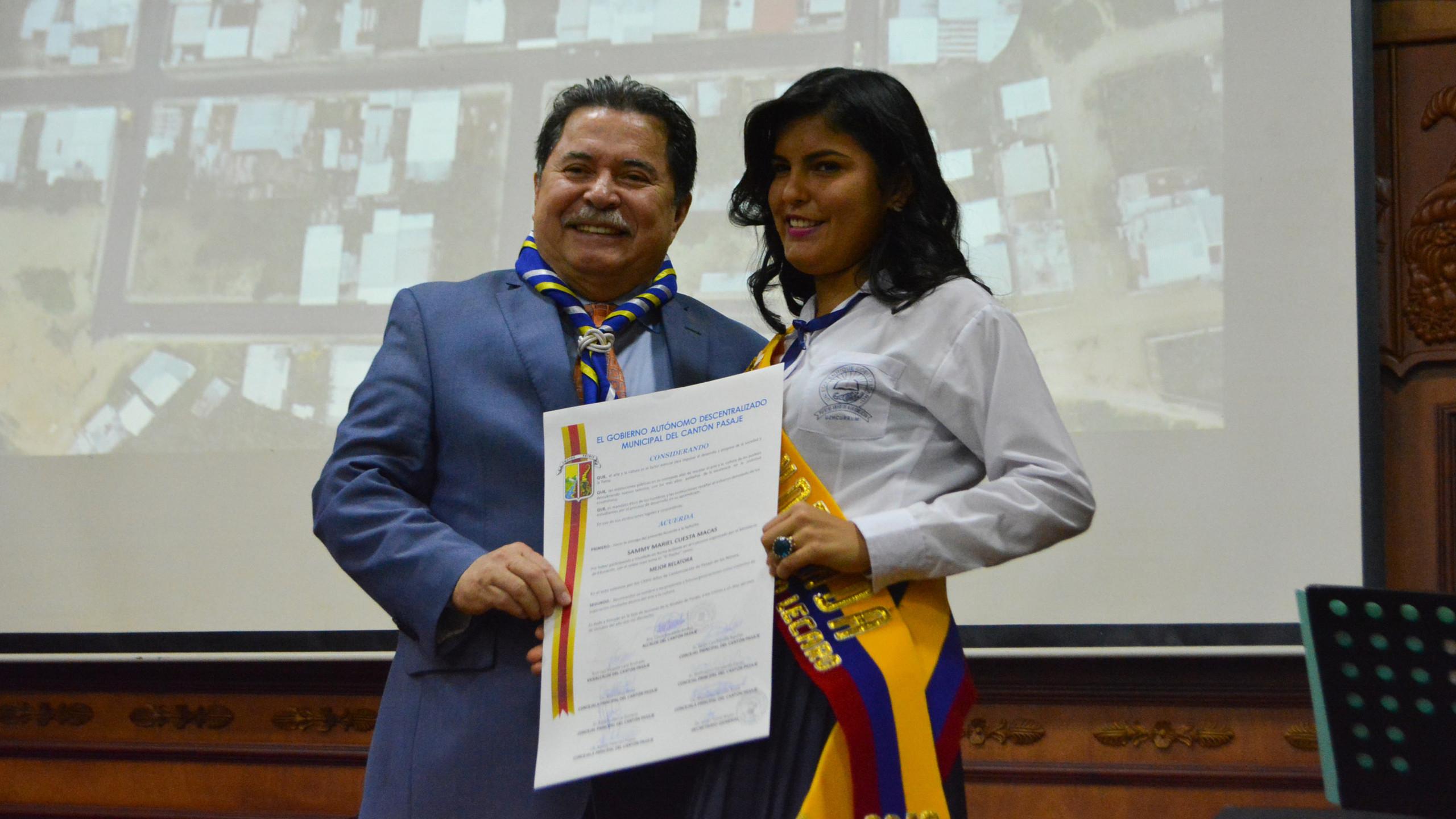 001 SAMMY CUESTA MACAS MEJOR RELATORA
