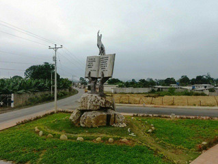 Monumento a la biblia para Pasaje