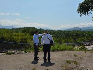 Alcalde César Encalada supervisó instalación de acueducto provisional.