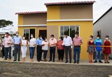 Tres familias fueron reubicadas en nuevas viviendas