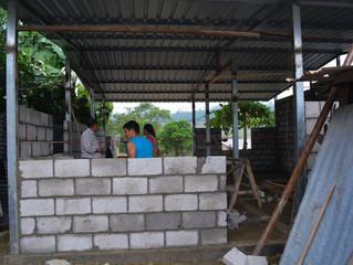 VIVIENDA SOCIAL EMPUVI, IGLESIA VERBO Y GAD PASAJE REFLEJA AVANCES EN CONSTRUCCIÓN.