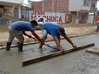 Alcaldía de Pasaje construye bordillos y aceras en segunda etapa calle 4 de Agosto.