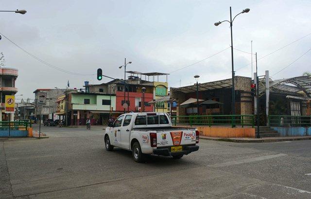 Semáforo en calle Juan Montalvo
