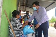 300 kits de aseo para grupos de atención prioritaria