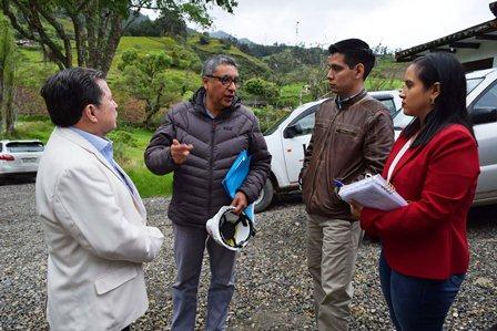 Alcalde visita relleno en Loja