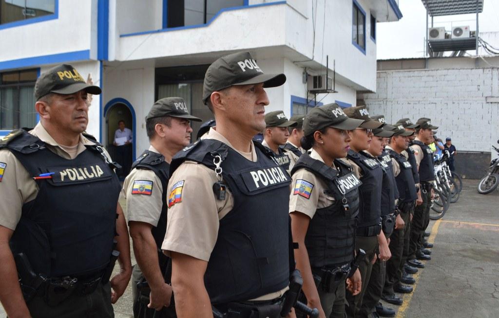 001 PERSONAL DE LA POLICIA NACIONAL