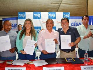 ALCALDE CÉSAR ENCALADA Y PREFECTO CLEMENTE BRAVO FIRMARON CONVENIO PARA ASFALTADO