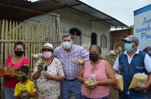 ALCALDÍA DE PASAJE IMPULSA ACTIVIDAD PRODUCTIVA  CON CRIANZA DE PAVOS.